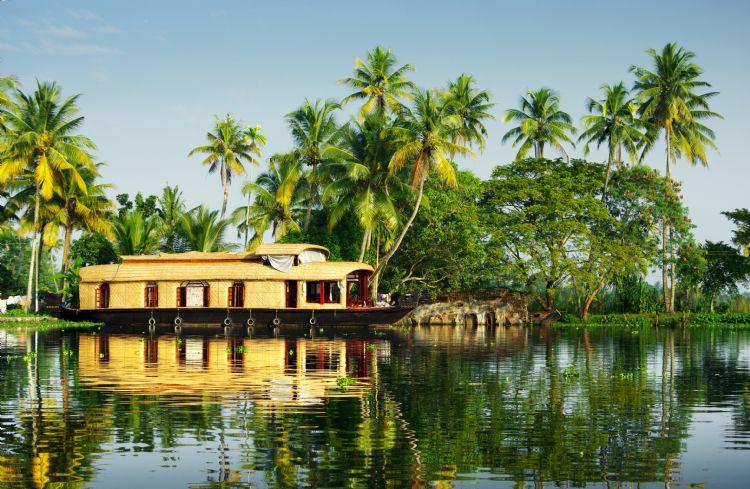 Maison flottante dans les backwaters du Kerala