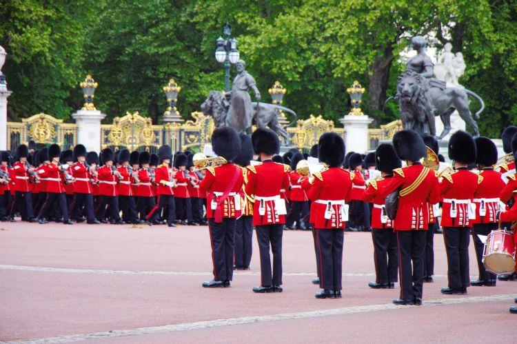 Garde royale à Buckingham Palace